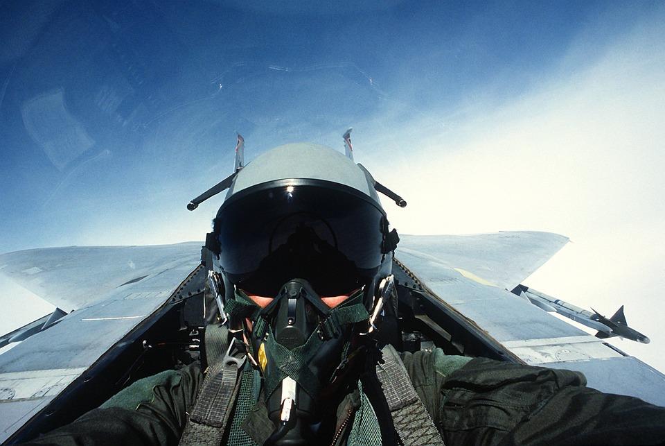 pilote avion de chasse jet  u00b7 photo gratuite sur pixabay