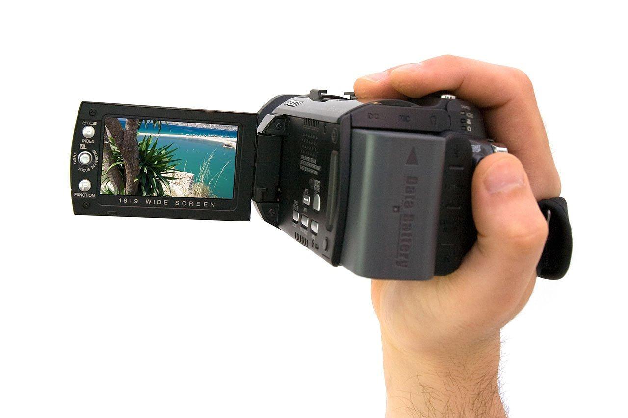 ビデオカメラの使い方を解説!初心者でも使える!【徹底解説】のサムネイル画像