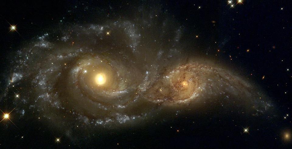 Ngc 2207 渦巻銀河 光年 · Pixab...