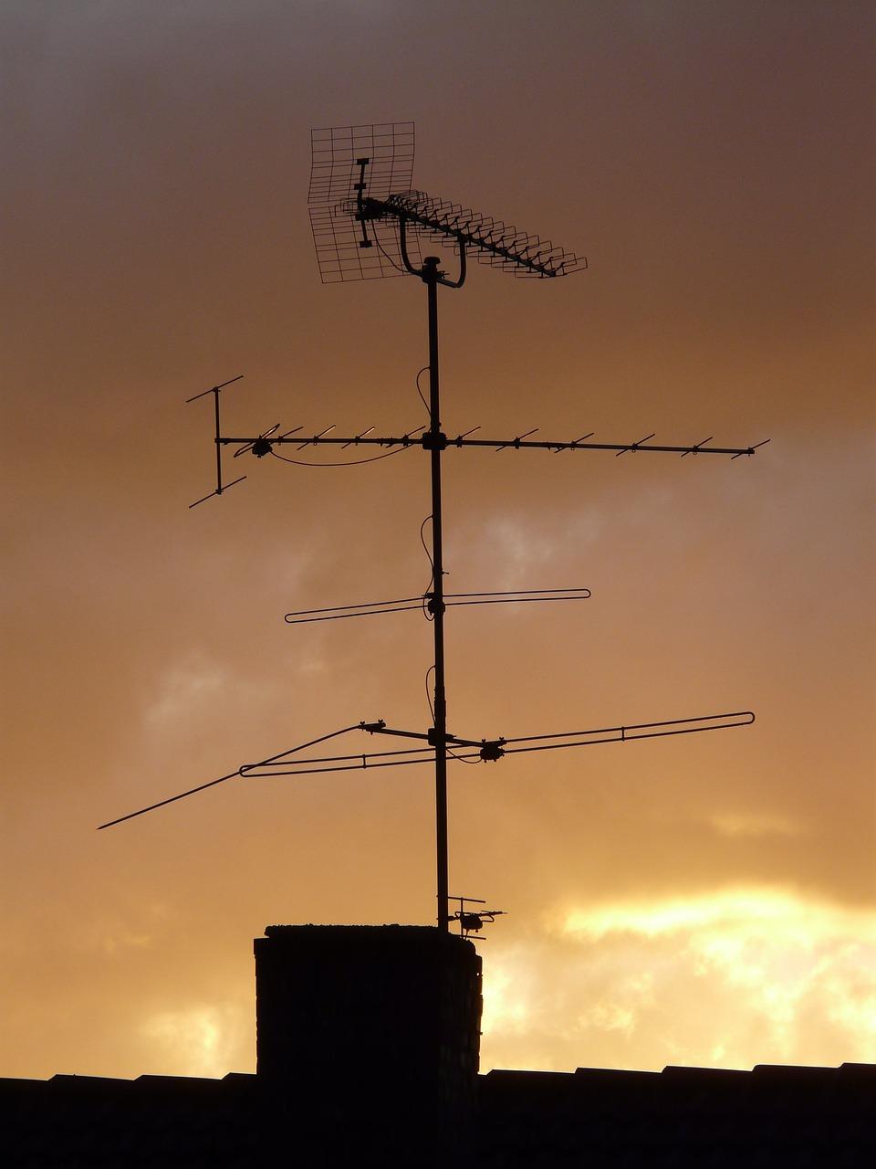 картинки крыш домов с антеннами хорошо этом райском