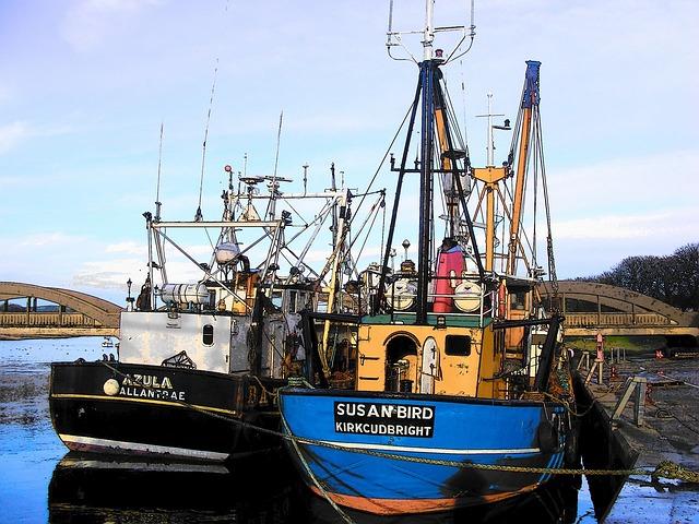 Trawlers fishing boats free photo on pixabay for Free fishing boats