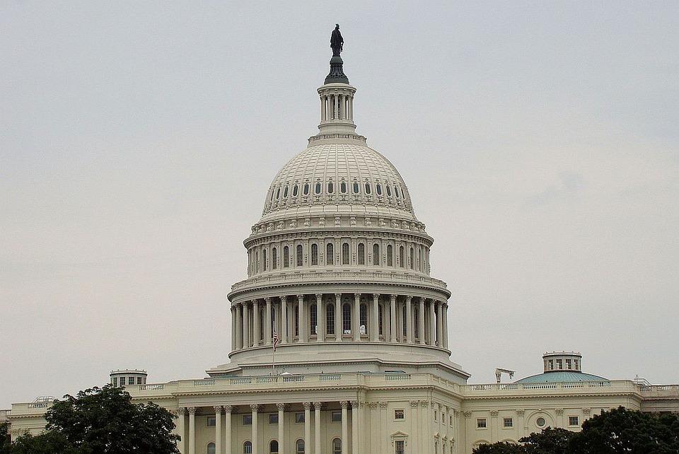 USA politisk system baserer seg på avgjørelser gjort på Capitol Hill i Washington DC.