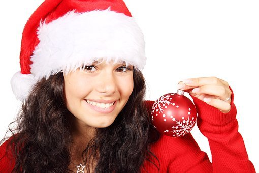 seasonal-marketing-girl-christmas-bauble