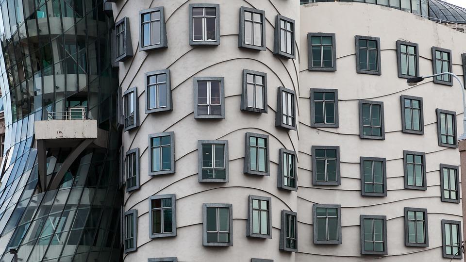 Дом-книжка, парящий колледж и другие безумные здания. Дом-книжка, парящий колледж и другие безумные здания