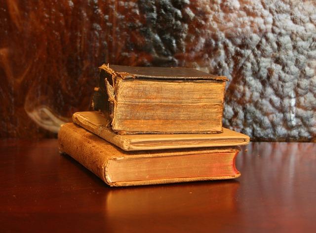 books old library  u00b7 free photo on pixabay