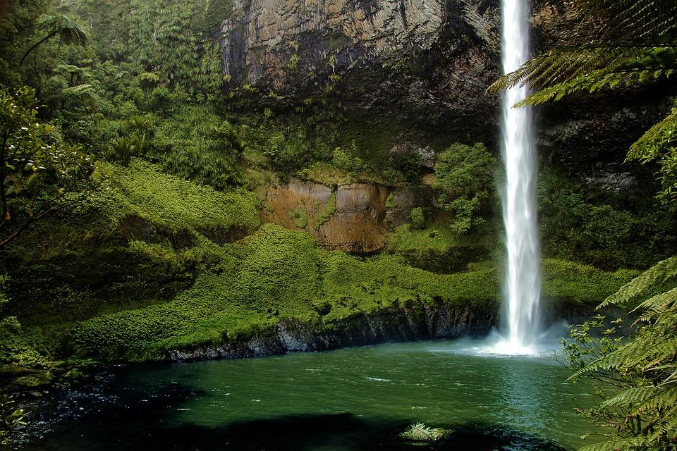 Caduta Del Velo Da Sposa, Nuova Zelanda, Cascata