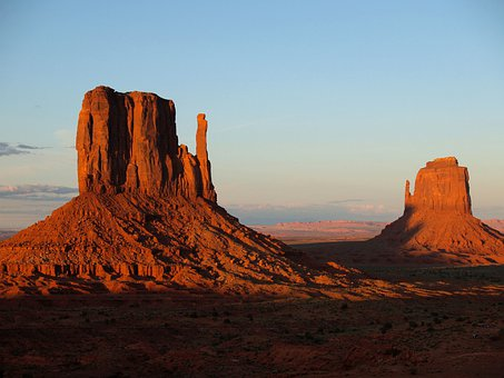 Monument Valley, Utah, Usa, Red