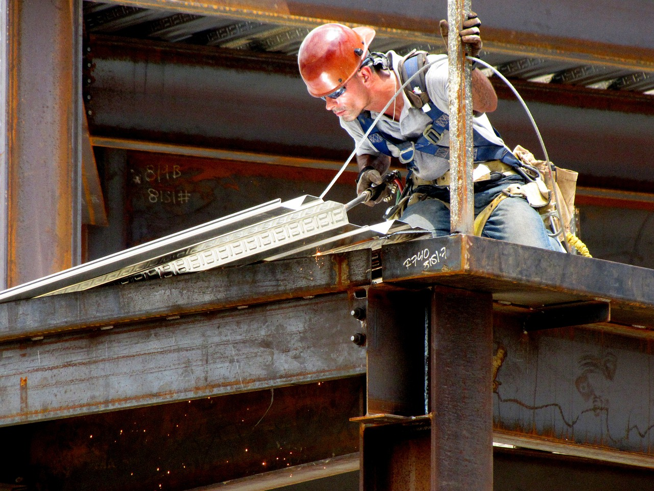 список профессий вредные условия труда в рф