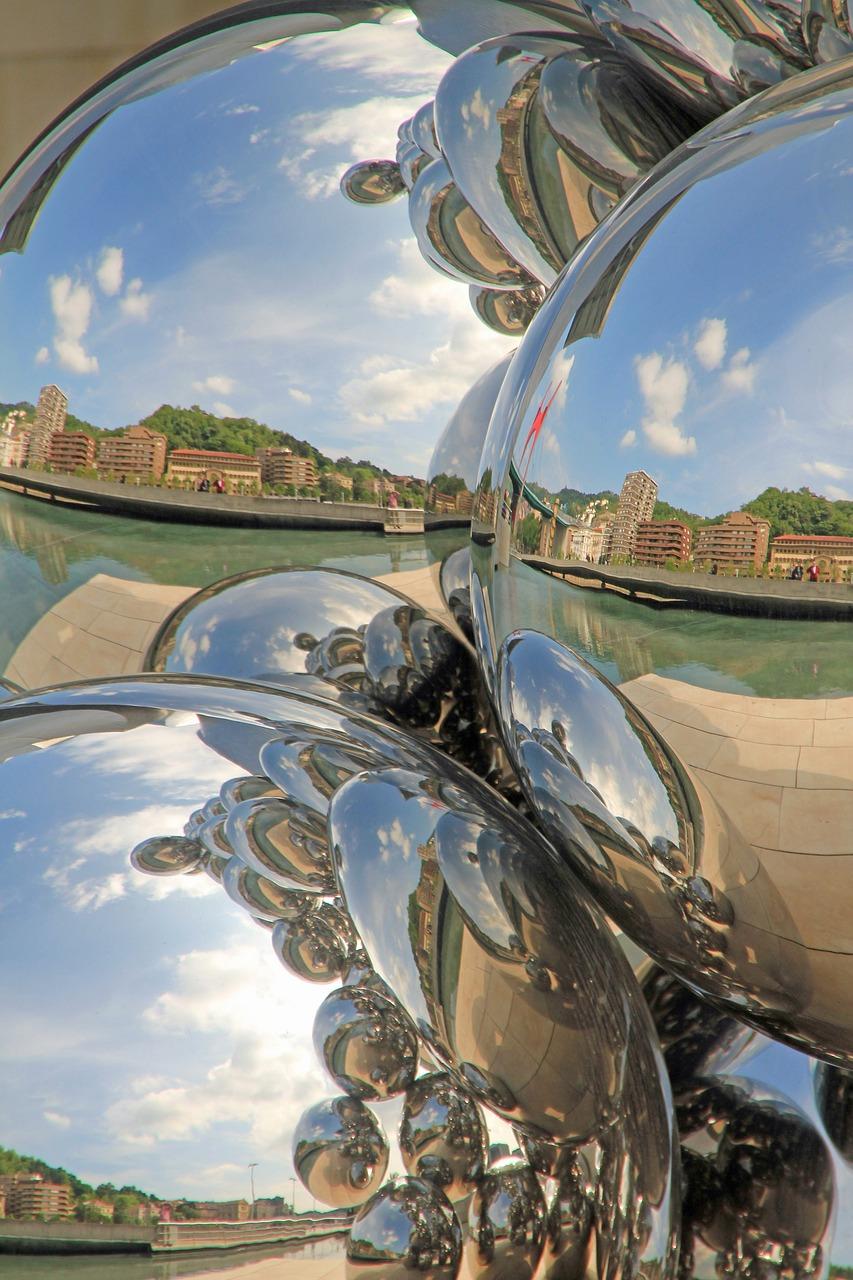 более картинки с эффектом зеркалами небольшой город