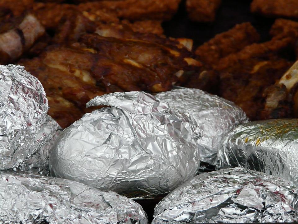 Patate Al Forno, Piatto Di Patate, Foglio Di Alluminio