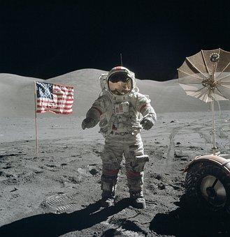 Caminhada Da Lua, Astronauta