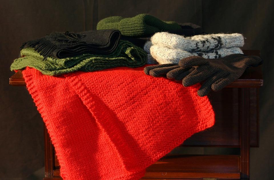 冬の服, 帽子, 手袋, ミトン, スカーフ, マフラー, 衣料品, ストッキングの帽子, ニット