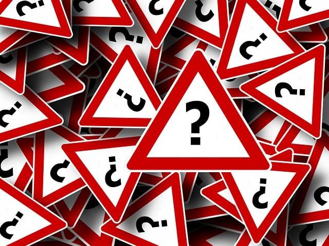 道路標識, 注目, 正しい方法の, 注意してください, 複製します, 疑問符, 感嘆符, 要求, 問題