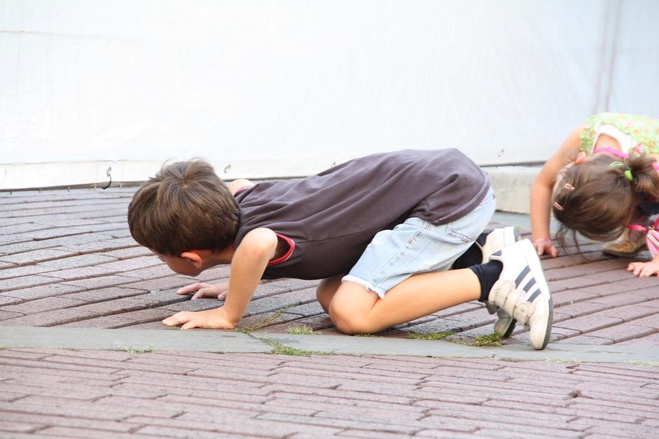 Bambini, Curioso, In Ginocchio, Italia, Bergamo