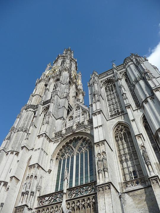 Fachada de la Catedral de Amberes