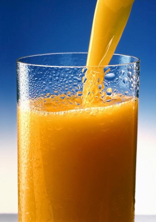 オレンジジュース, ジュース, ビタミン, ドリンク, 新鮮, ビタミン C, 健康, 注ぎ、, 与える、