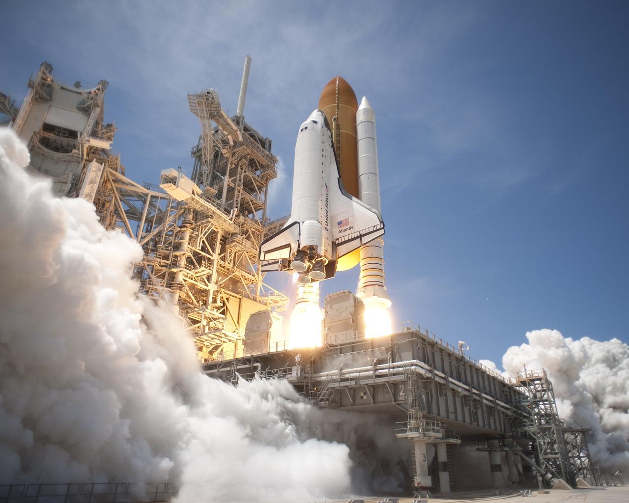Картинки шатлов и ракет