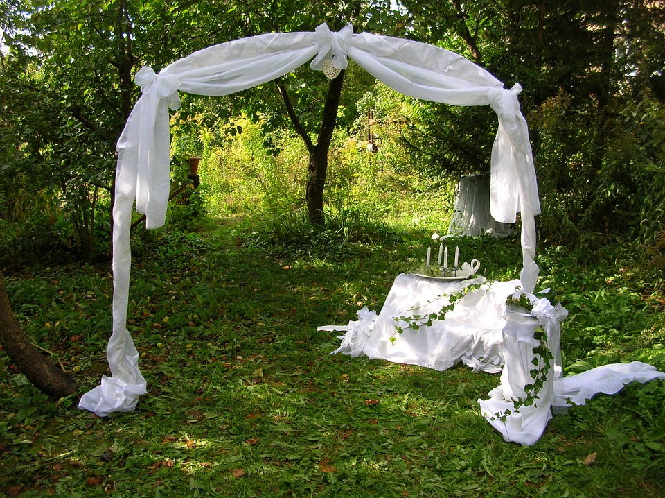 Free photo wedding decoration garden bride free for Decoration jardin ouedkniss
