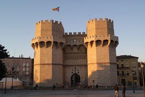 Vista Barrio del Carmen, Fachada Torres de Serranos, Valencia
