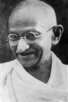 Pacifist Mahatma Gandhi Mohandas Karamchan