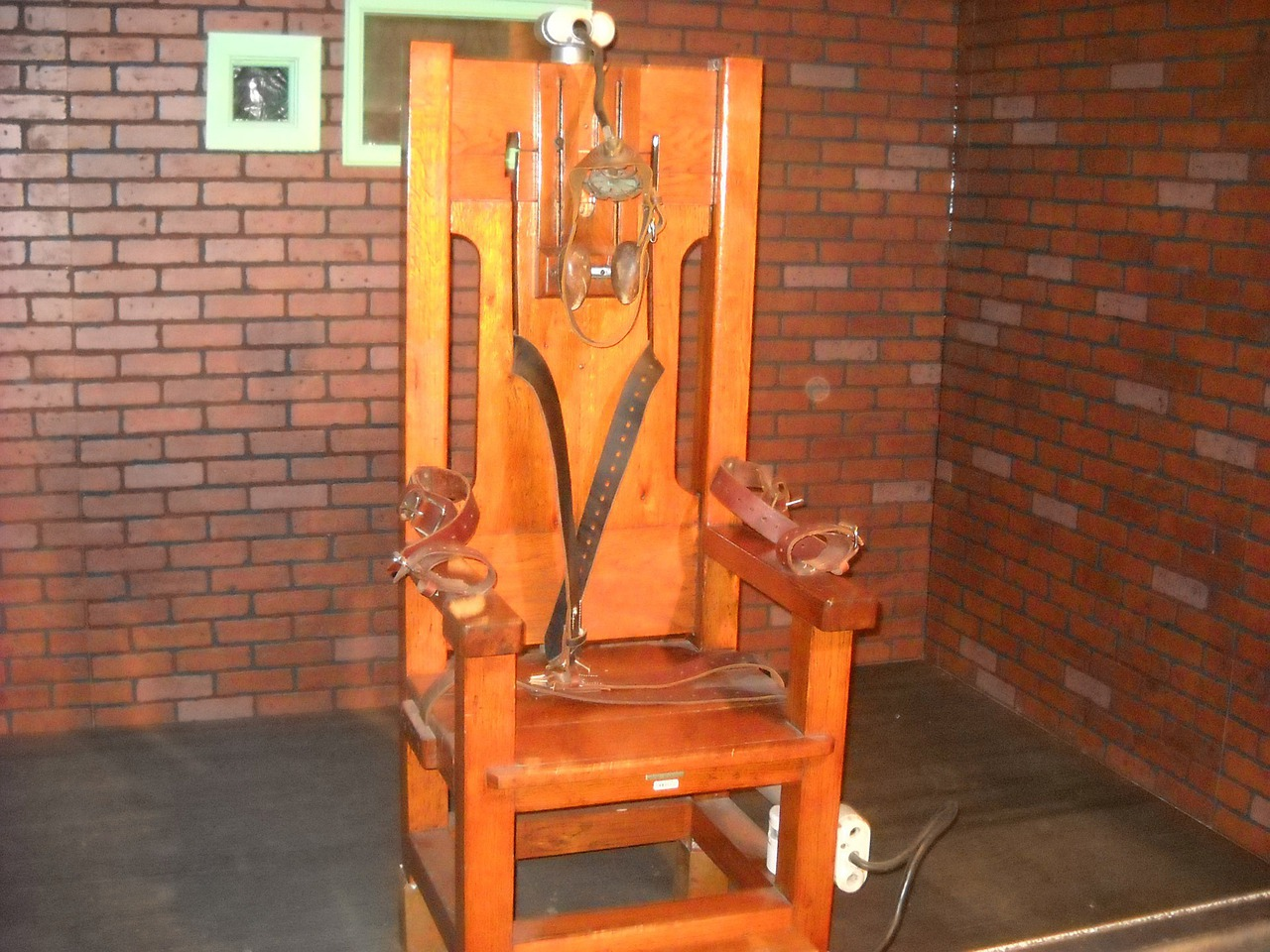 The electric chair was invented by a dentist