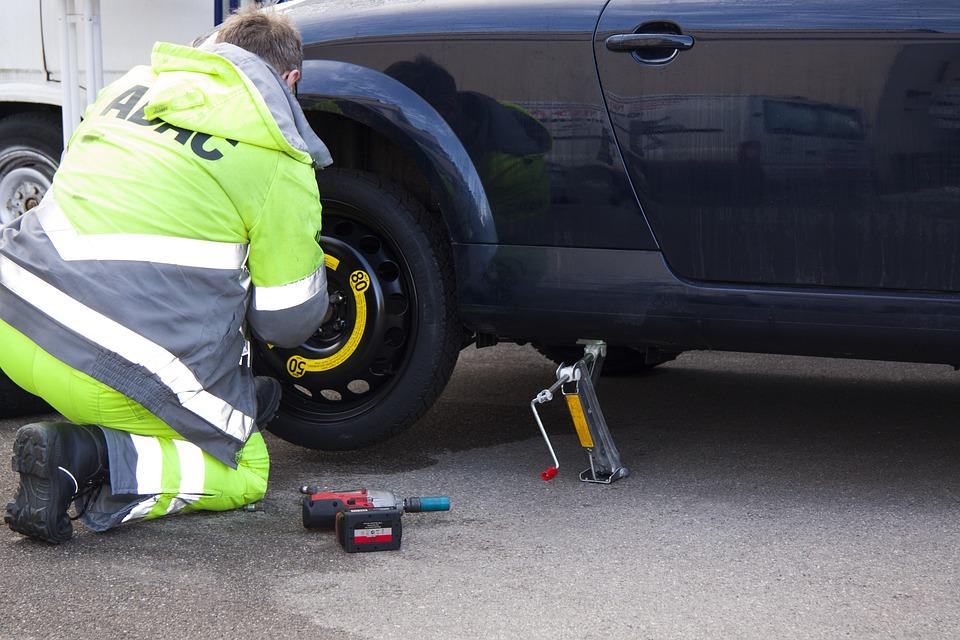 Flat Tire, Breakdown, Tire Service, Spare Tyre
