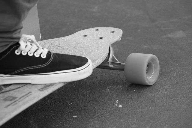 skateboard black and white  u00b7 free photo on pixabay