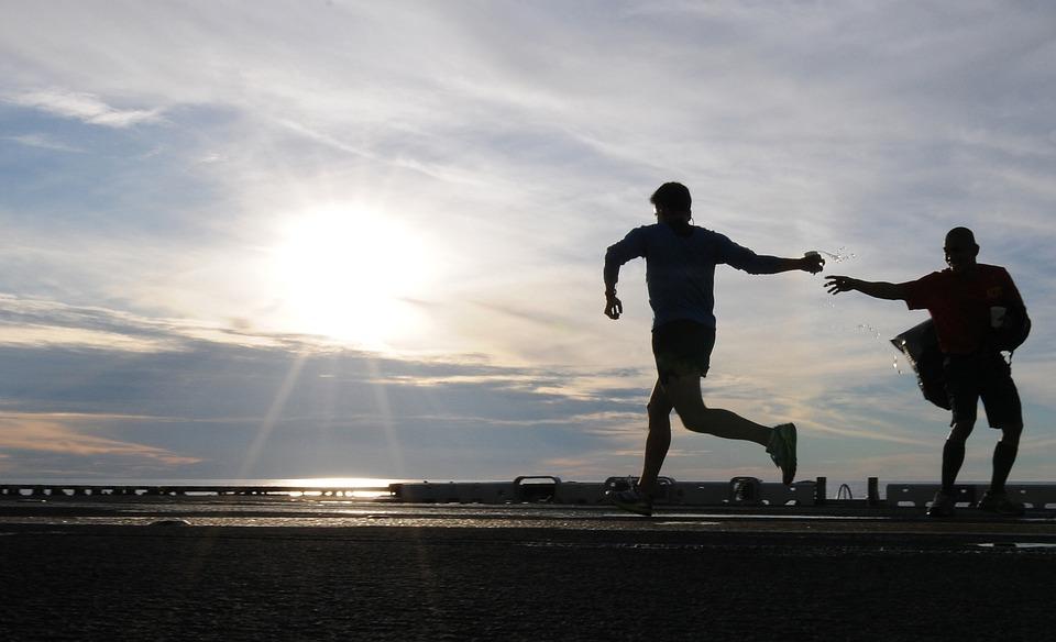 ランナー, ジョギング, 朝, 空, 雲, 日の出, 水, ガラス, しぶき, 実行している, 運動