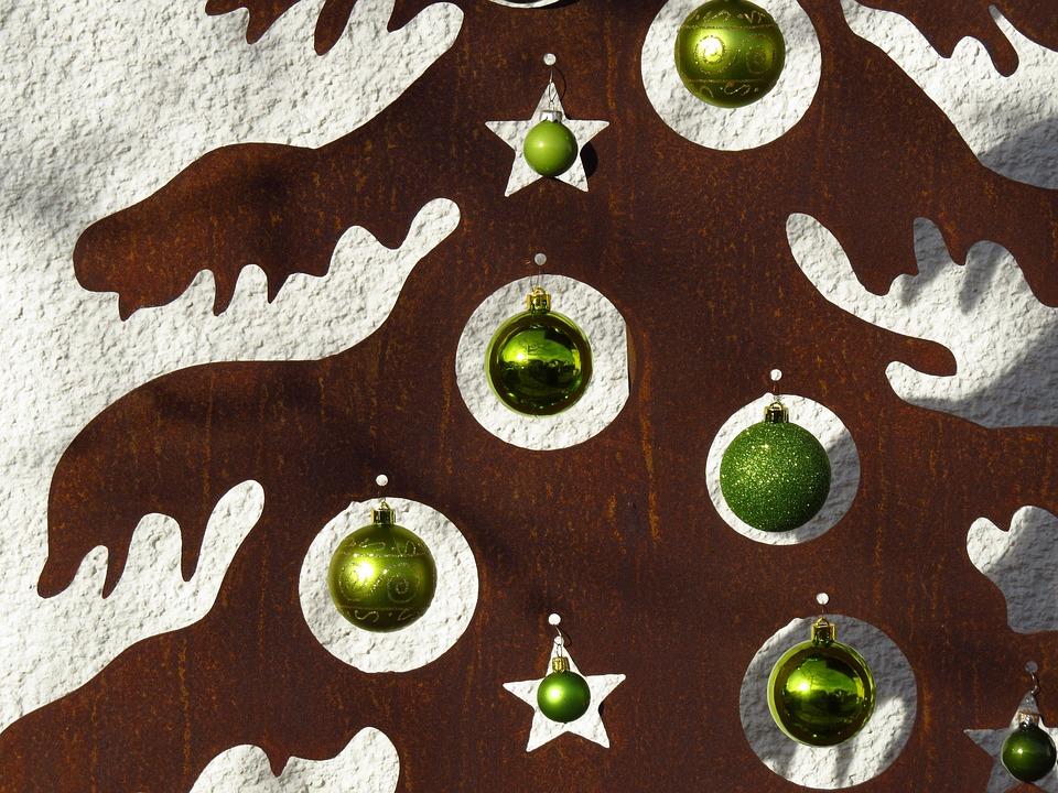 Rostiger Tannenbaum.Tannenbaum Metall Glaskugeln Kostenloses Foto Auf Pixabay