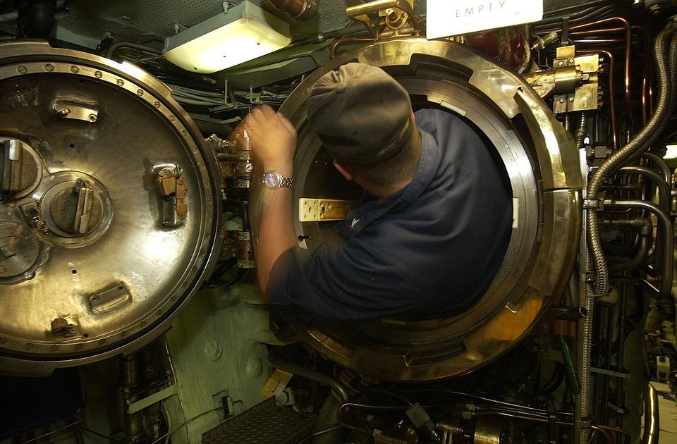 Uss Portsmouth Submarine Interior Sailor