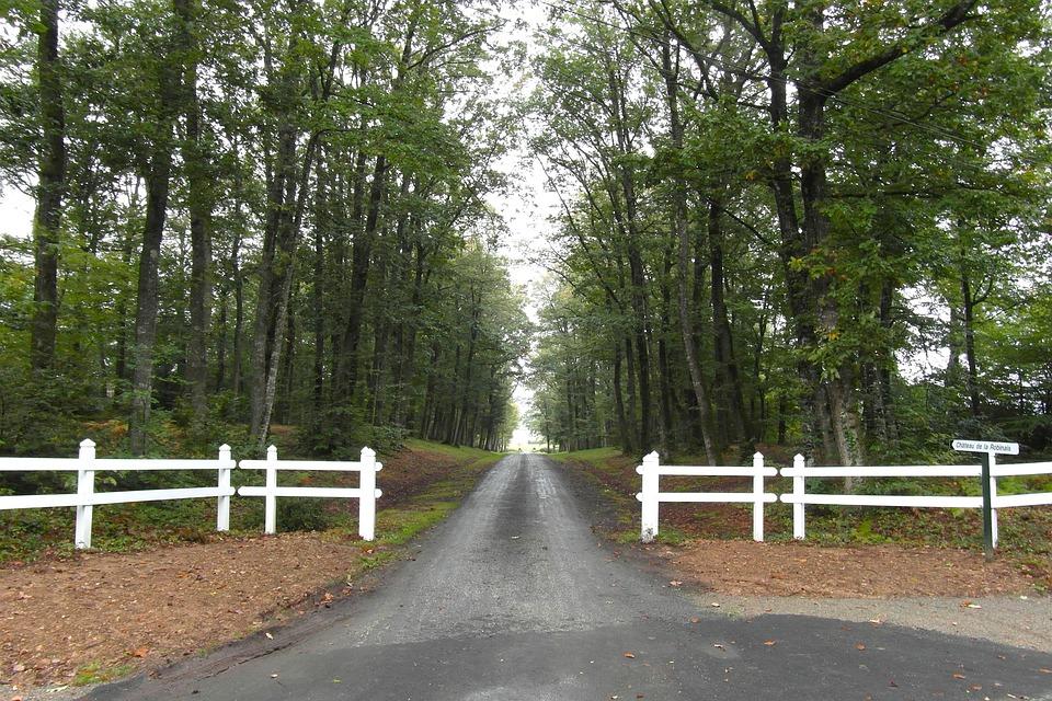 Spring driveway maintenance - muddy road