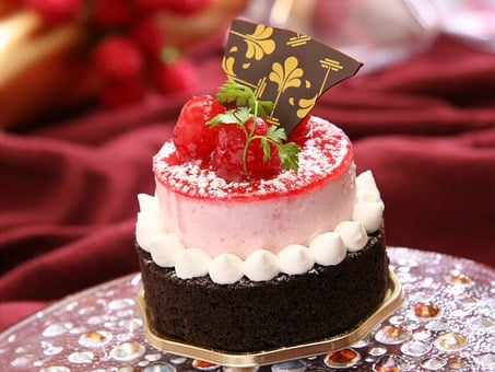 France Confectionery, Raspberry, Cake