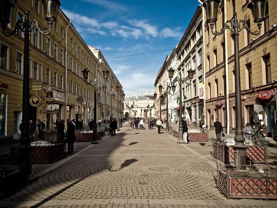 サンクトペテルブルク ロシア 市 建物 通り 都市 空 雲 人 アーキテクチャ 外 歩道