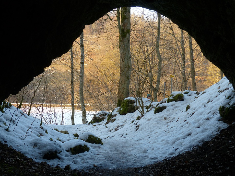 cave-95197_960_720.jpg