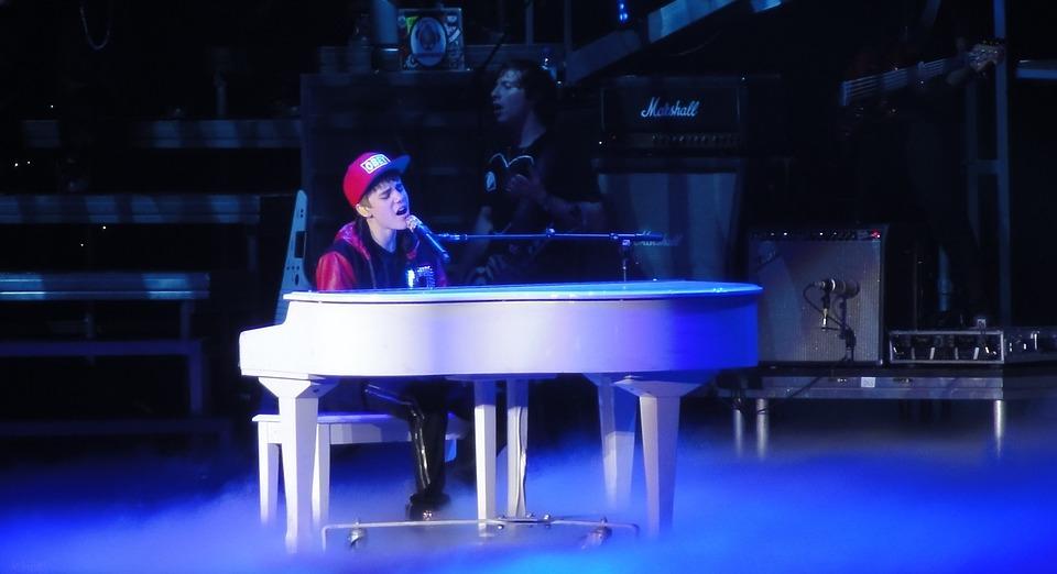 Justin Bieber, Singer, Entertainer, Concert