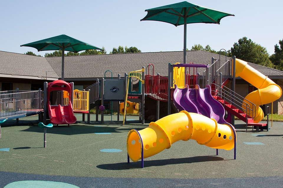 Terrain De Jeux, Swing, Diapositive, L'École, Amusement