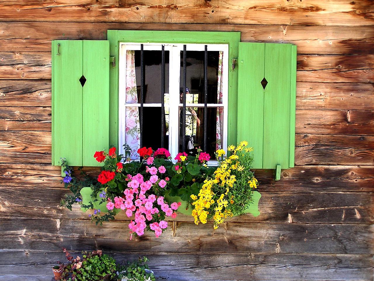 как покрасить деревянные окна в деревне фото городе томск