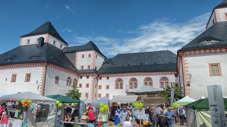 ザクセン ドイツ 城城 建物 目的地 アーキテクチャ 人 市場 夏 春 空 雲 市