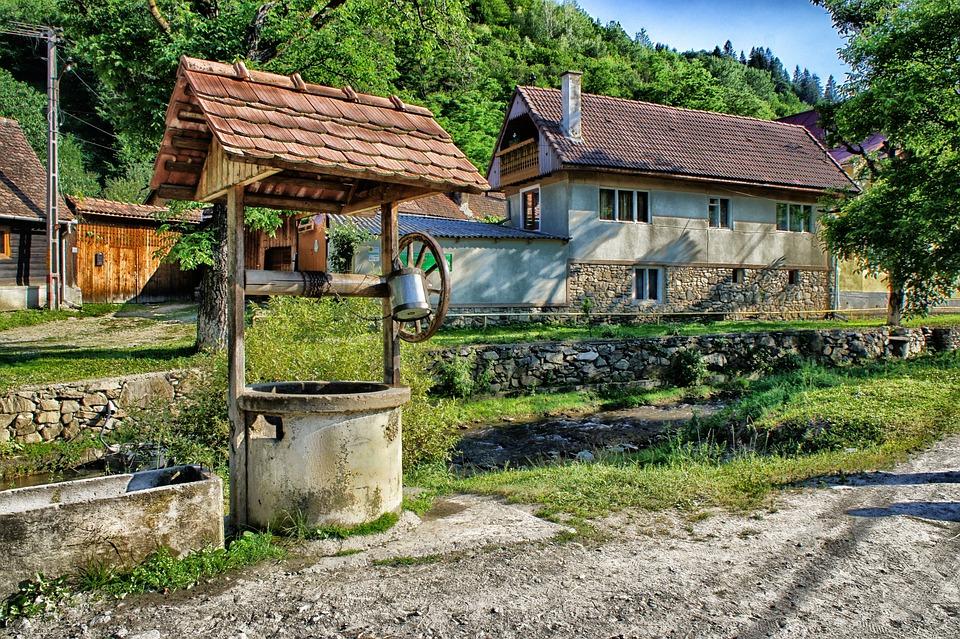 Sibiel, Roumanie, Puits, Maison, Accueil, Des Forêts