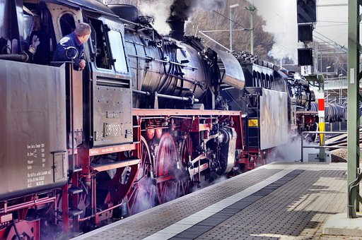 Steam locomotive signifying water as fuel