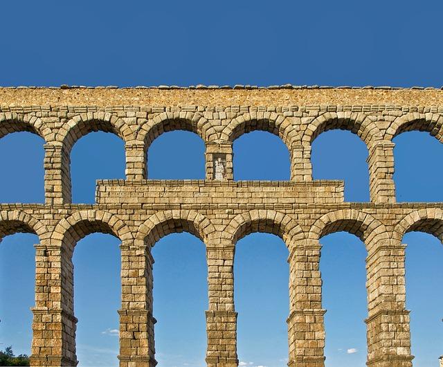 Photo gratuite segovia espagne aqueduc romain image gratuite sur pixabay 106506 - Acueducto de segovia arquitectura ...