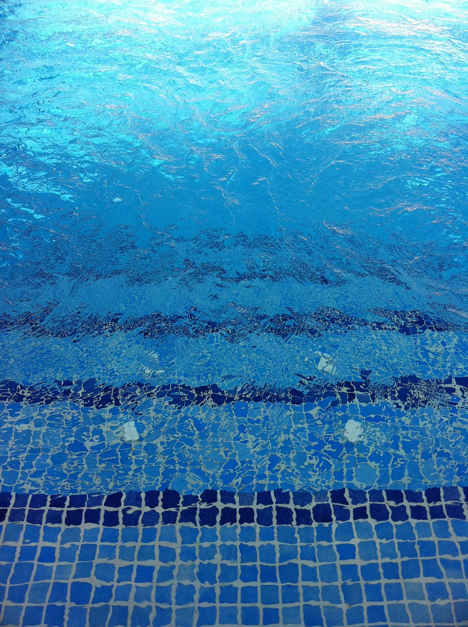 Картинка на дне бассейнов
