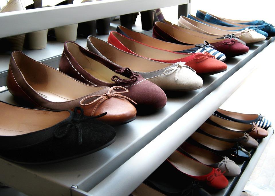 7273a8dbb Sapatos Prateleira Exposição - Foto gratuita no Pixabay