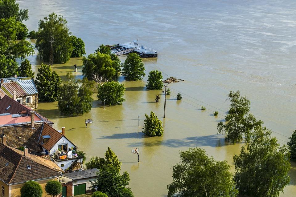 Powódź, Danube, Worek Z Piaskiem, Park, Koszykówka