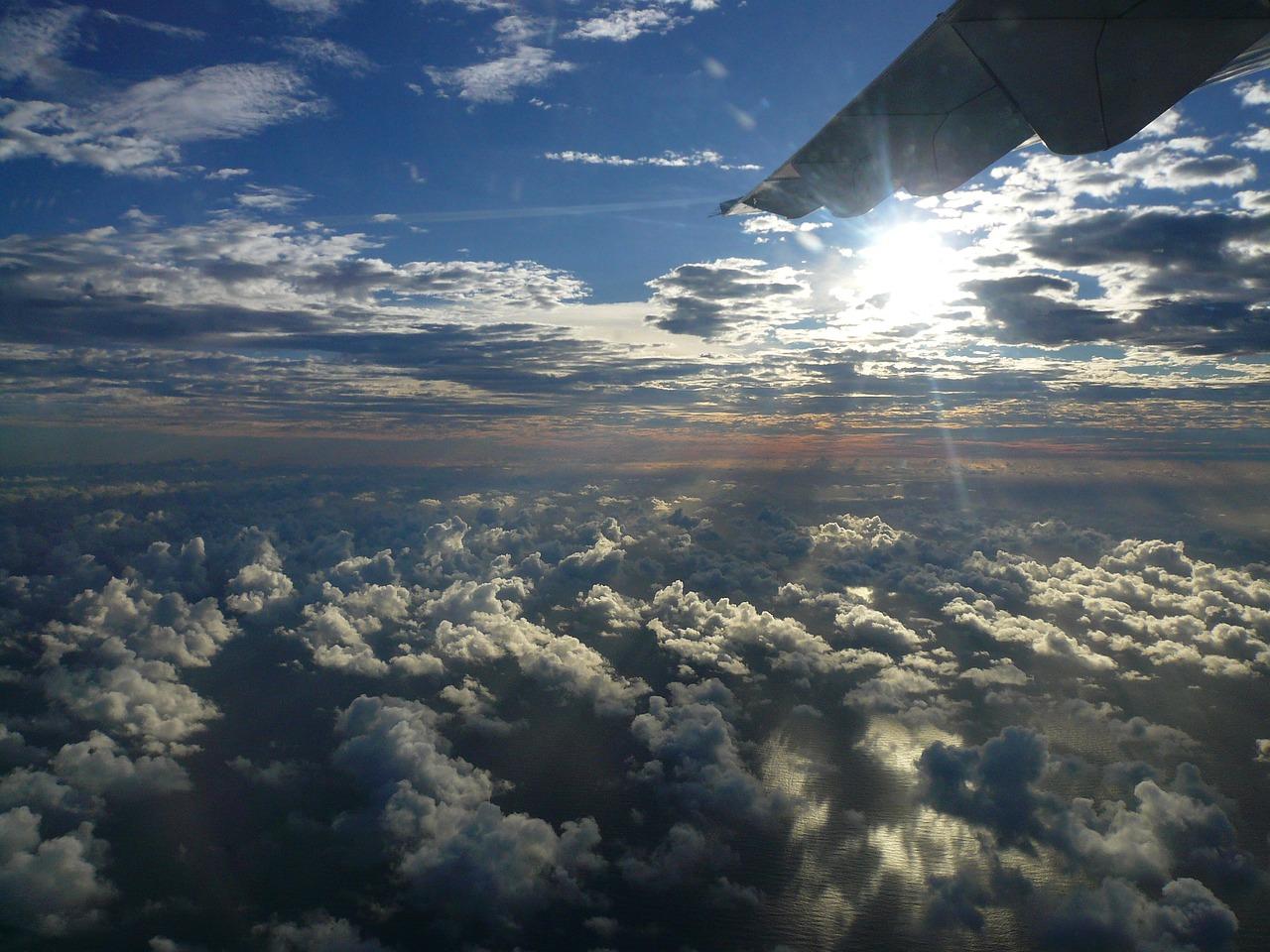еще человек в небе фото с самолета мусульманка