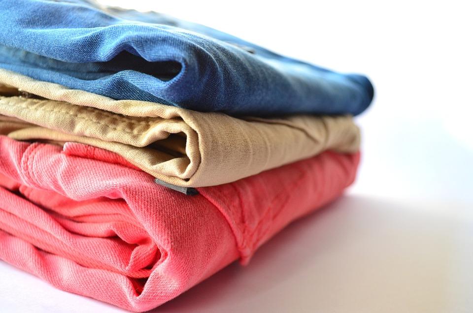 服, パンツ, 衣料品, スタック, ピンク, 青, ジーンズ, ズボン, アパレル, 小売, ファブリック