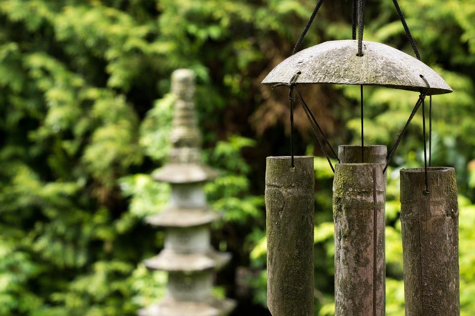 Photo gratuite feng shui lanterne de pierre image for Que es el feng shui y como funciona