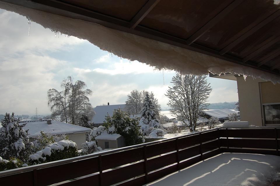 Een Winters Balkon : Balkon de winter · gratis foto op pixabay