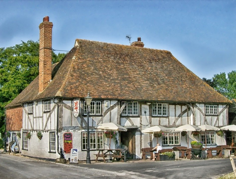 Get a part-time job in a traditional English pub!