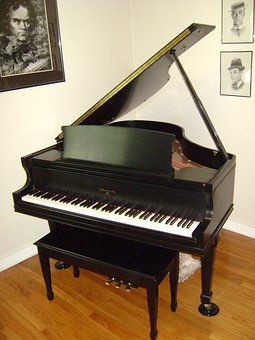 Baby Grand Pianos - Why You Might Consider to Own One